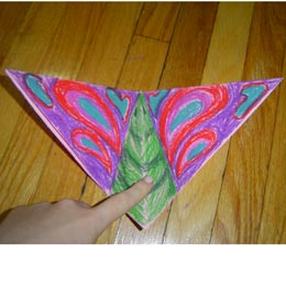 <p>Decorate with colourful designs and enjoy your new butterfly! Gently press up and down on the body and watch the butterfly's wings flap!</p>